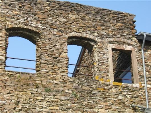 Südflügel, Fenster zwischen Pavillon und Bergfried