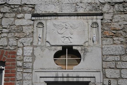 Eingangstür, Türsturz