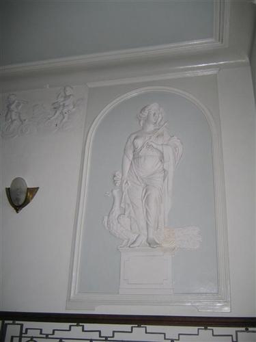 Wandrelief Göttin Hera mit Pfau