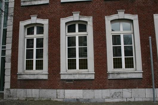 Nord-Westfassade, Fenster EG
