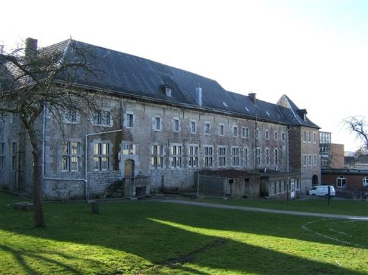 Hauptgebäude