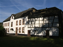 Haus Burg-Reuland 103-104