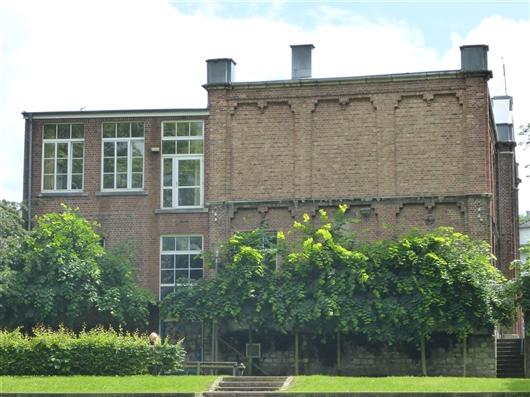 Seitenfassade (links)