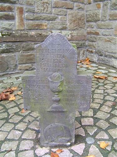 Grabkreuz Vikar Margraf
