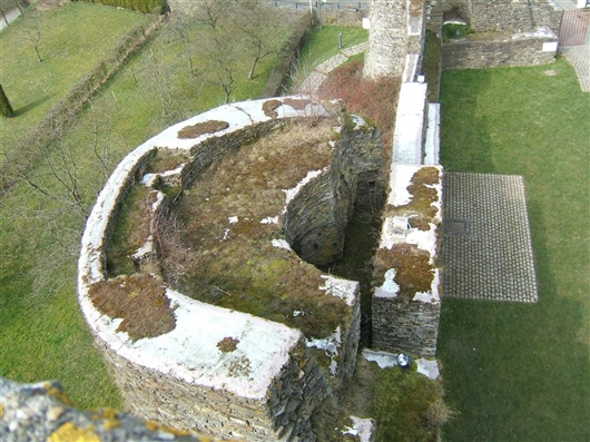 Bergfried, Westflügel