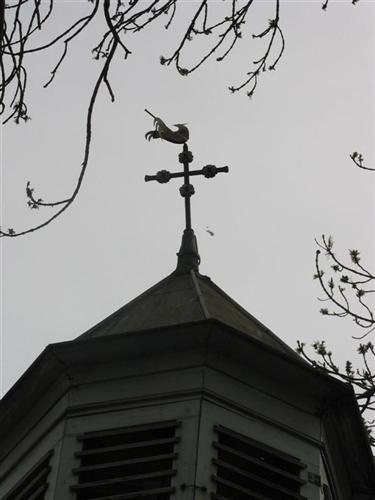 oktogonaler Glockenturm mit Schalldeckel