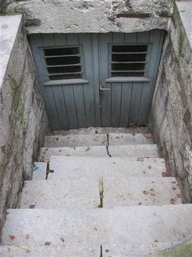 Nord-Ostfassade Kellertür