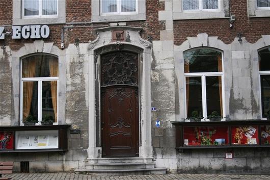 Eingangstür im Rokokostil