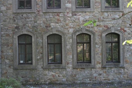 Mitteltrakt Fenster