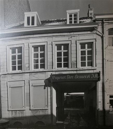 Vorderfassade um 1980