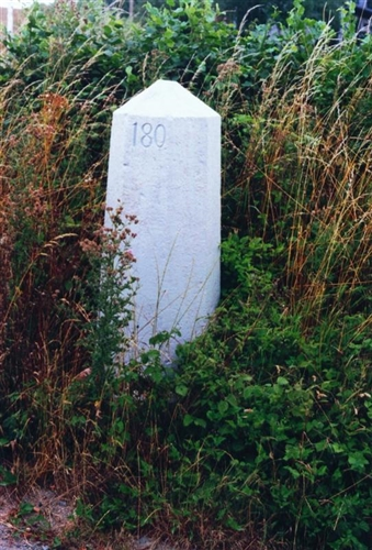 B-P Grenzstein Nr. 180