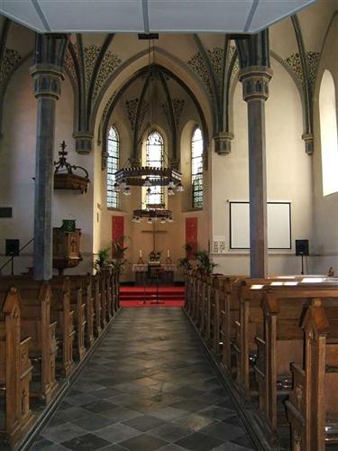 Ostwand und Chor, innen