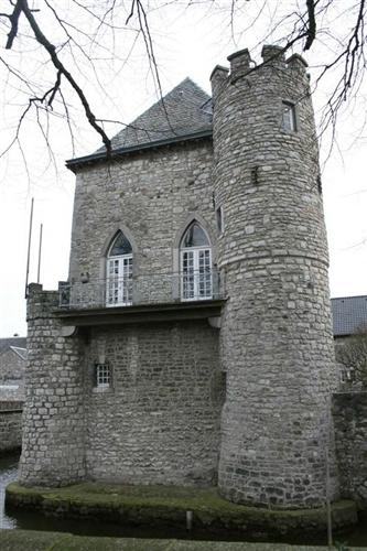 Giebelfassade zum Burggraben