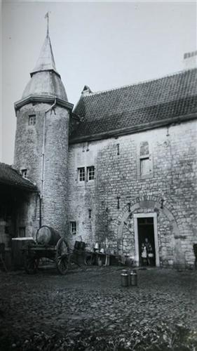 Hauptgebäude vor 1945