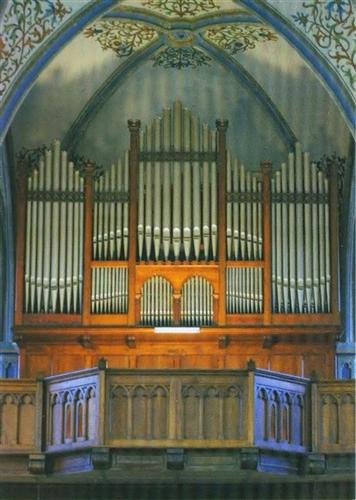 Orgelgehäuse vor der Restaurierung