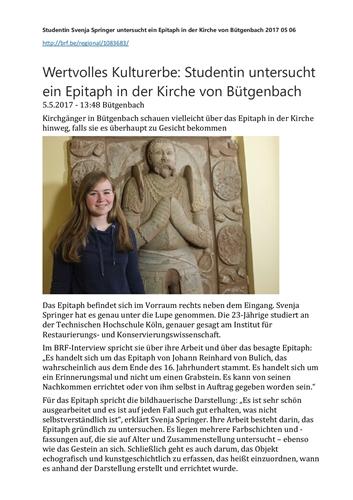 Wertvolles Kulturerbe: Studentin untersucht ein Epitaph in der Kirche von Bütgenbach