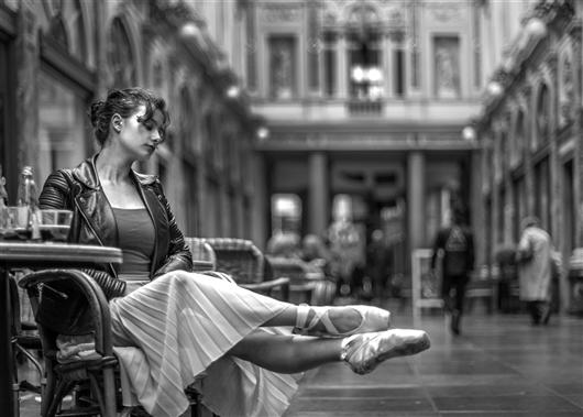 Ruhende Tänzerin, galerie de la Reine, Brüssel