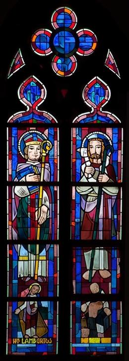 Glasfenster mit Hl. Lambertus und dem Guten Hirten, südliches Kirchenschiff, Kirche St. Josef, Eupen