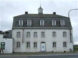 Hof Weiß Haus