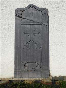 Grabplatte des Priesters Alois Johann Martin Mertens