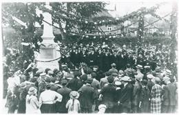 Amel, 1923: Einweihung des Kriegerdenkmals