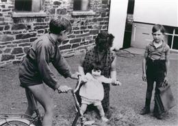 Auel, 1969: Laufen lernen