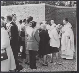 Astenet, 1972: Gottesdienst
